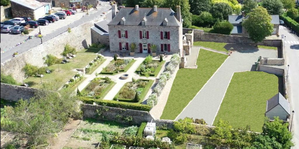 Mont-Dol-Maison-Chambres-hotes-caractere-bretagne-Dinan-Jardin-Des-simples-saint-Malo-Mt-St-michel